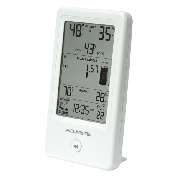 Angled View of Display for Rain Gauge with Indoor/Outdoor Temperature – AcuRite Weather Technology