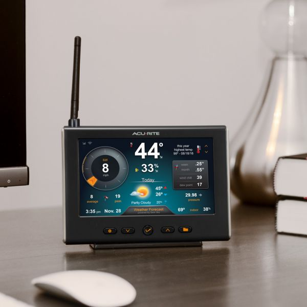 HD Display with Wi-Fi Forecast for 5-in-1 Weather Station Sitting on a Desk – AcuRite Weather Technology